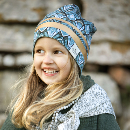 Picture of Elodie Details Winter Beanie - Gilded Everest Feathers