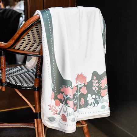 Elodie Details® Žametna odejica Rebel Poodle Vanilla White 75x100