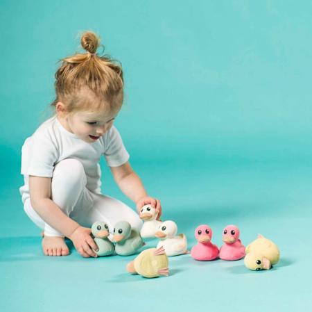 Immagine di Hevea® Kawan mini papera giocattolo in gomma naturale 3in1 Pink