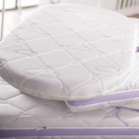 Träumeland® Materassino ovale per la culla Bassinet Wash 37x70