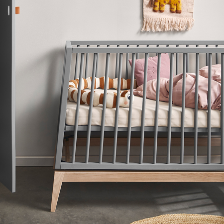 Immagine di Leander® Lettino Luna™ 140x70 cm Grey/Oak