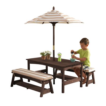 Immagine di KidKraft® Set tavolo e panchine con cuscini e ombrellone Pink/White