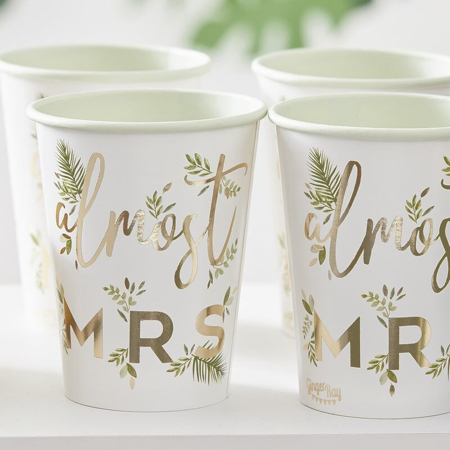 Immagine di Ginger Ray®  Bicchieri di carta Almost Mrs 8 pz