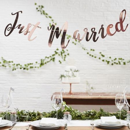 Immagine di Ginger Ray®  Ghirlanda Rose Gold Just Married