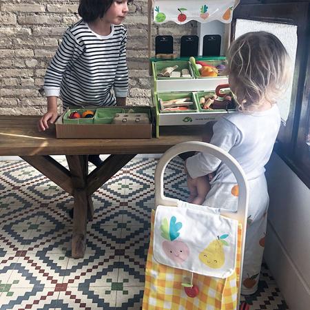 Immagine di Tender Leaf Toys®  Cestino della spesa su ruote