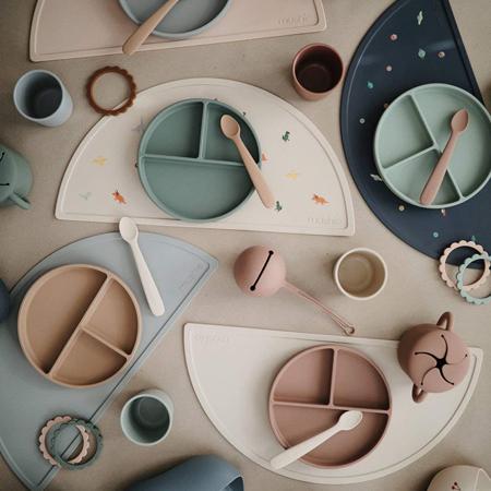 Mushie®  Set di due cucchiai in silicone Stone/Cloudy Mauve