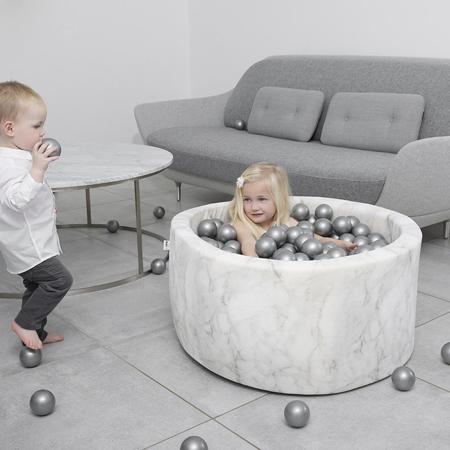 Immagine di Misioo® Piscina con palline Marble White Velvet Collection