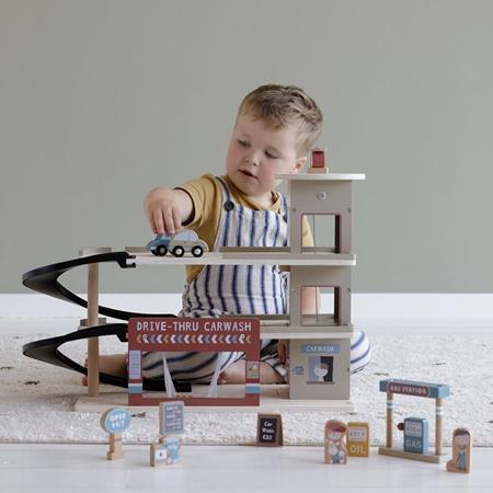 Little Dutch® Garage in legno per la ferrovia