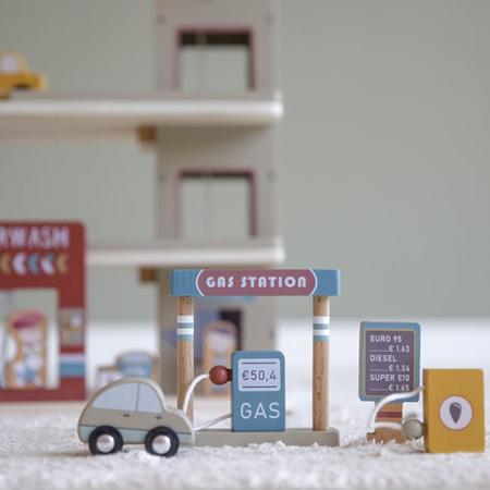 Immagine di Little Dutch® Garage in legno per la ferrovia