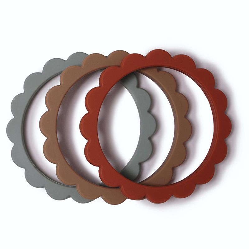 Immagine di Mushie® Anello da rosicchiare Cambridge Blue / Clementine / Natural 3 pezzi