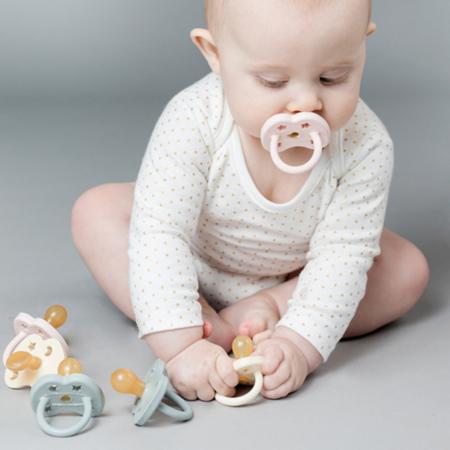 Immagine di Hevea®  Ciuccio ortodontico in caucciù PAPERA (0-3m) Mellow Mint