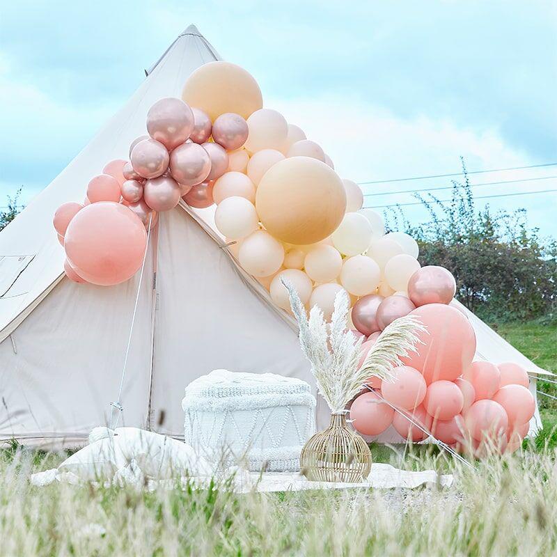 Immagine di Ginger Ray® Arco di palloncini Luxe Peach, Nude & Rose Gold