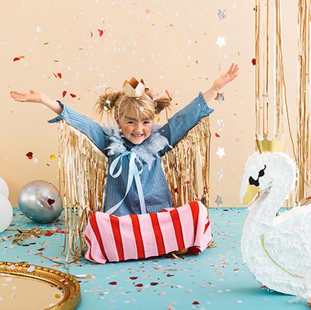 Immagine di Party Deco® Pignatta cigno