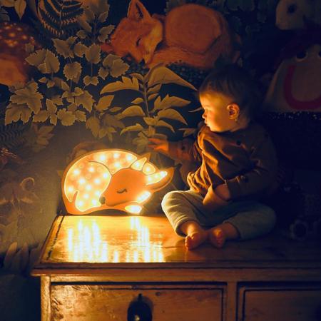 Immagine di Little Lights® Lampada in legno fatta a mano Deer Forest Light Brown